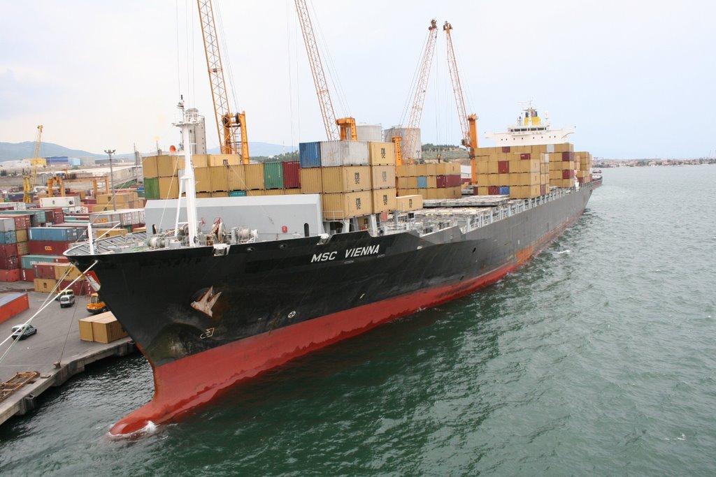 Traficul de mărfuri pe Dunăre a scăzut cu 5,5% în 2014