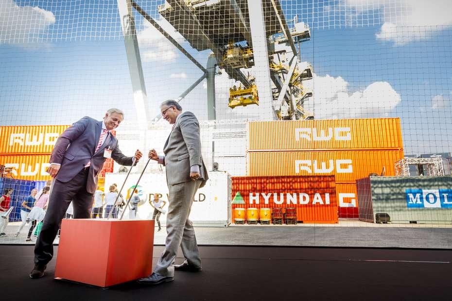 Primul terminal automatizat de containere, inaugurat în portul Rotterdam