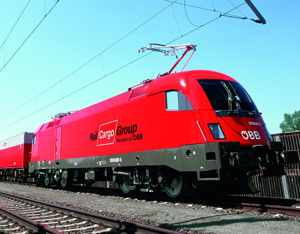 E-Lok 1016 Taurus mit Rail Cargo Austria Wagons