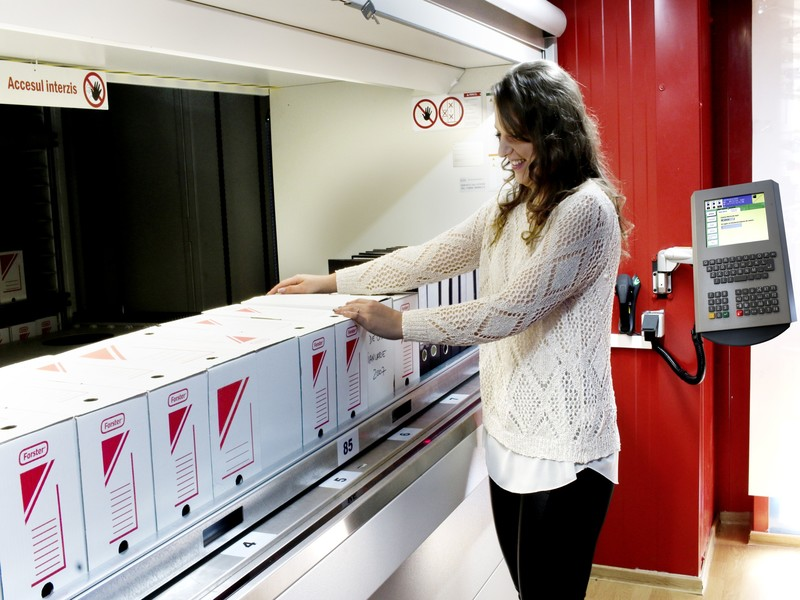 Elmas intră pe piața soluțiilor de arhivare
