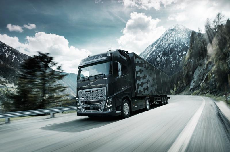 Volvo Trucks, cu flota permanent sub control