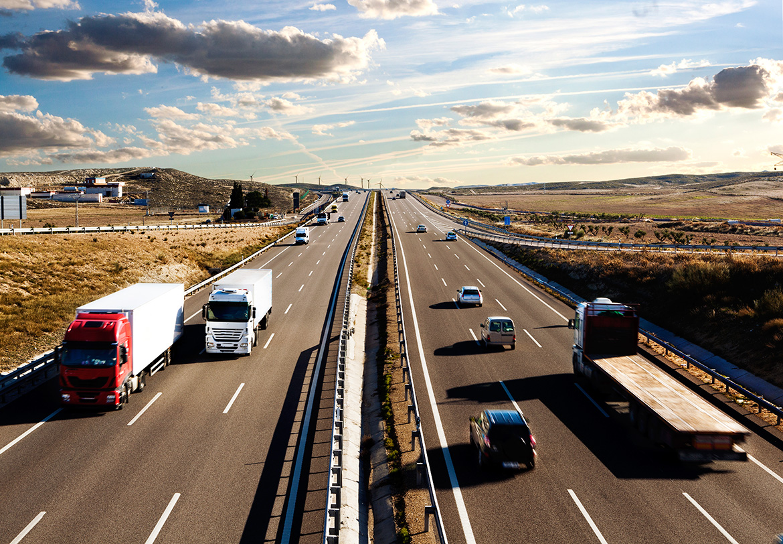 Patronatele din transporturile rutiere solicită extinderea perioadei de plafonare a tarifelor asigurărilor RCA