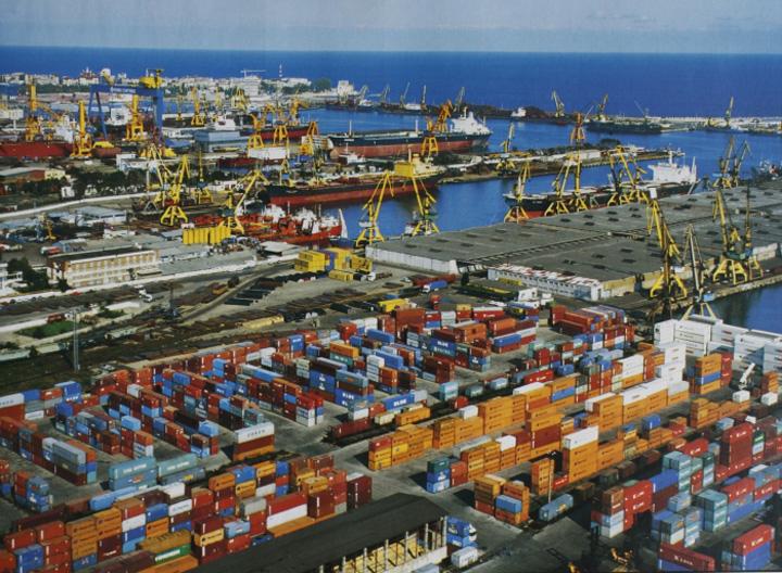 Portul Constanţa, port principal de tranzit pentru Ungaria