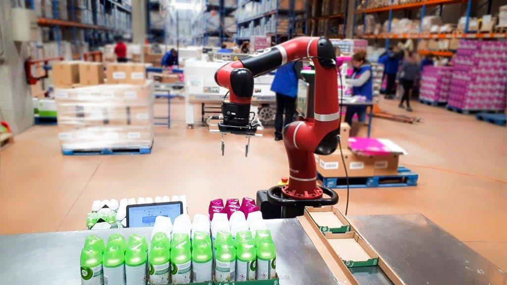 Viitorul în co-packing: FM Logistic testează robotul Sawyer