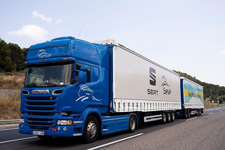 SEAT și Grupo Sesé testează primul trailer duo pe drumurile europene