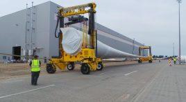 Primele Combilift Straddle Carrier lucrează în România