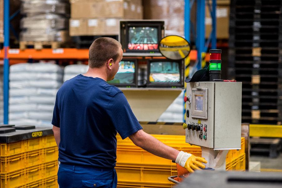 Cum reduci costurile cu soluţia de management a ambalajelor reutilizabile GEFCO?