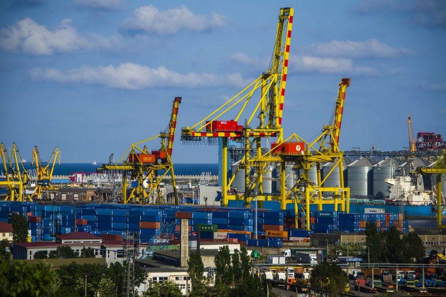 Crește traficul de cereale în porturile  românești