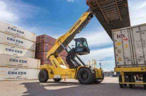 Un nou tip de reacjstacker Hyster pentru porturi