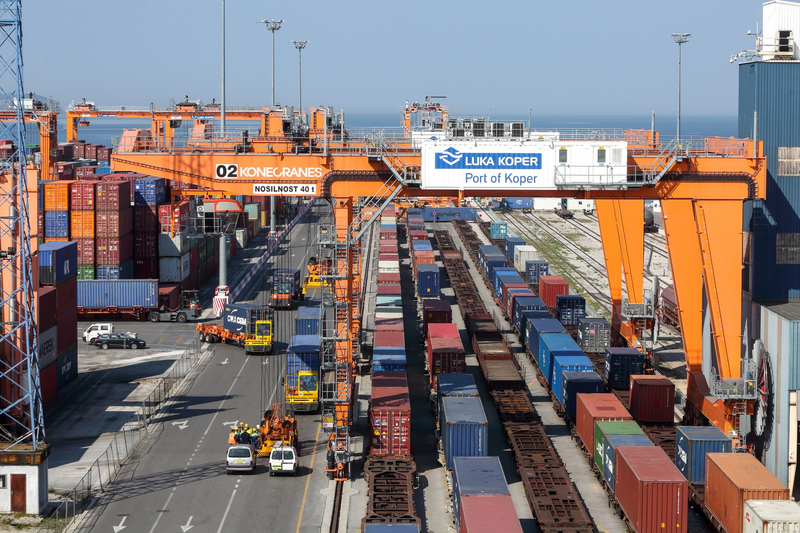 Un nou serviciu intermodal conectează România și Portul Koper