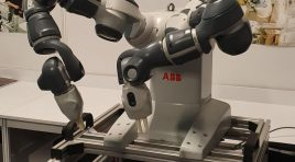 Dacia a donat un robot colaborativ Liceului Tehnologic Construcții de Mașini din Mioveni