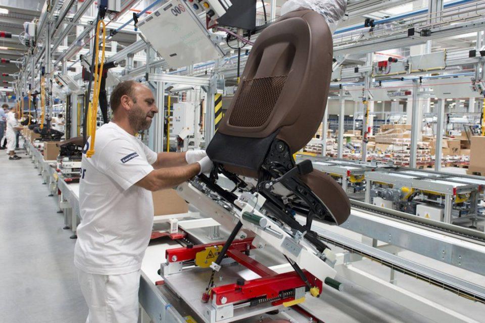 "Faurecia plănuiește un supply chain mai ""verde"""
