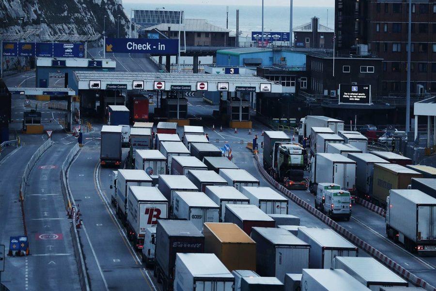 Post-Brexit: Întârzierile la frontiera între Marea Britanie și Europa continuă să cauzeze probleme