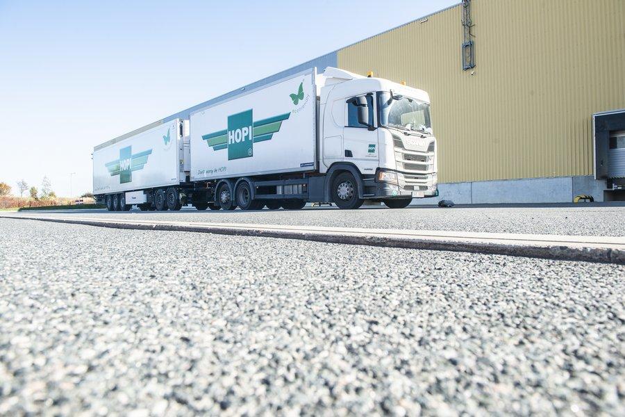 O zi record pentru HOPI Romania și P&G: 140 de camioane operate în 24 de ore