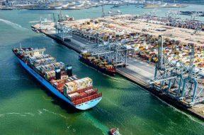 Volume in scadere in Portul Rotterdam in primele 6 luni