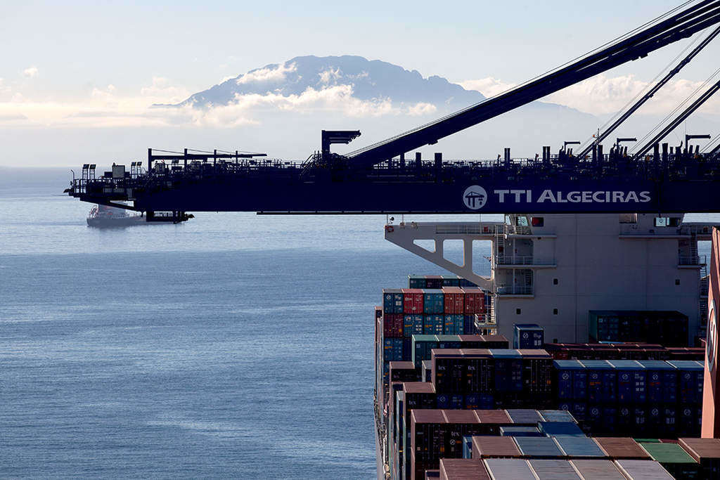 CMA CGM cumpără o parte din acțiunile TTI Algeciras de la HMM