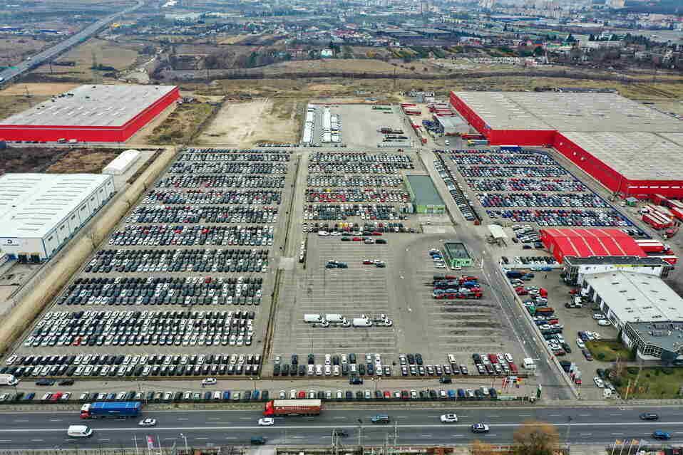 Hödlmayr Logistics România are conexiune feroviară din Bascov pentru transportul automobilelor
