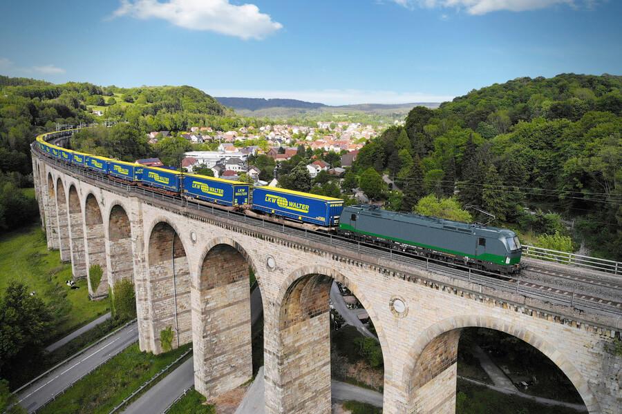 Dalli face trecerea pe calea ferată pentru transporturile din și către România