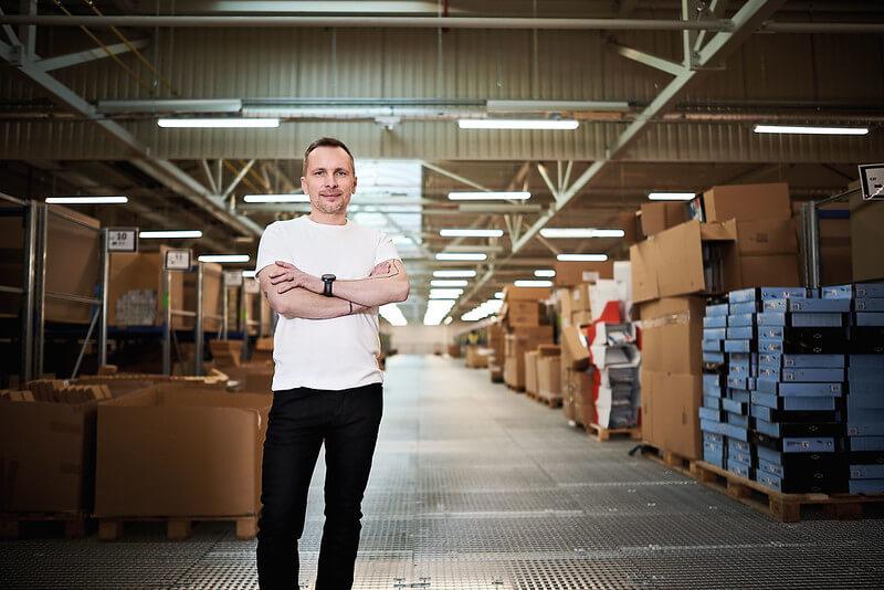 Retailerul de mobilă Bonami are planificate investiții în logistică și transport în 2021