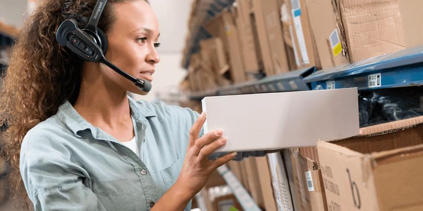 Total Technologies vă oferă soluția Honeywell Voice. Mai puține erori de picking, un depozit mai eficient, angajați mai productivi!