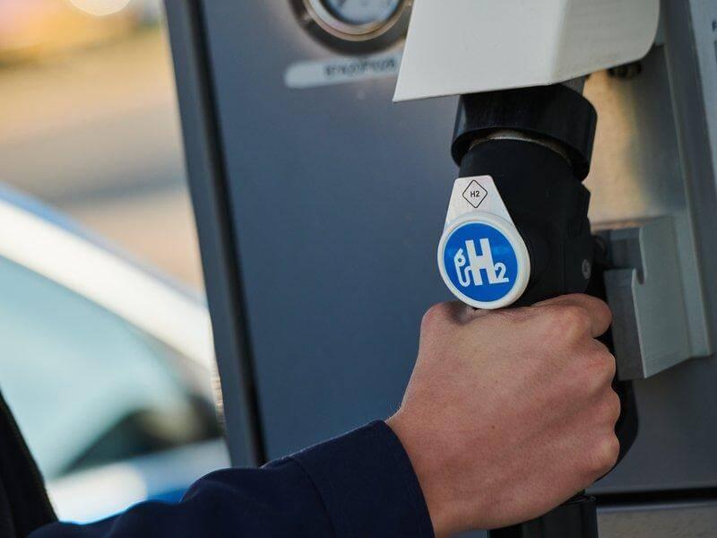 OMV se aliază cu Austrian Post pentru utilizarea hidrogenului în transportul de marfă