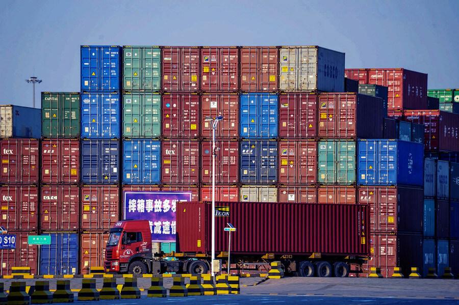 Exporturile Chinei au crescut în iunie în ciuda problemelor din porturile din sud