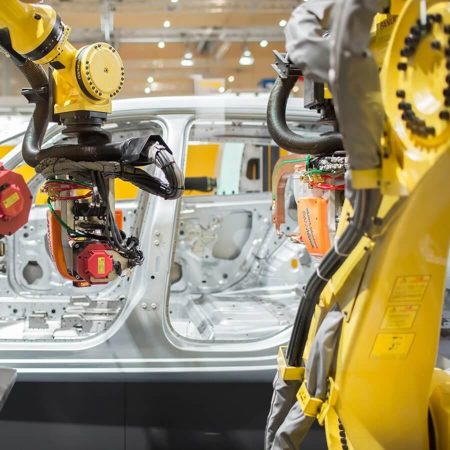 FANUC produce robotul cu numărul 750.000
