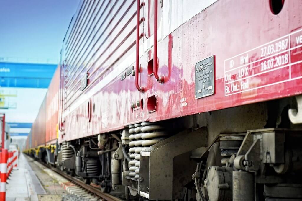 Germania combate efectele pandemiei în sectorul de transport feroviar cu un pachet de sprijin de 2,5 miliarde euro